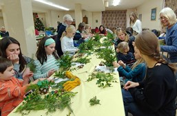 Homeschooled families participating in a Winter class at Wagnall's